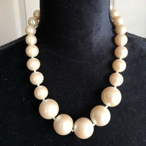 Classic Chunky Graduated Pearl Necklace